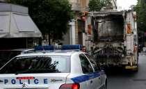 Ασύλληπτη τραγωδία στην άσφαλτο! Αυτοκίνητο συγκρούστηκε με απορριμματοφόρο και σκότωσε δημοτικό υπάλληλο.