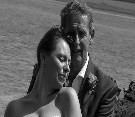 Άντρας ανέβασε φωτογραφίες γάμου στο Facebook και αναγκάστηκε να πληρώσει πρόστιμο.