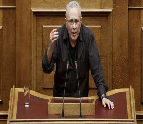 Ζουράρις: Καλά κάνουν οι νέοι και φεύγουν από την Ελλάδα.